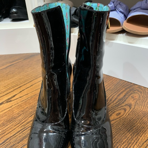 Gucci Shoes   Gucci Bumble Bee Boots
